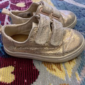 Girls metallic sneakers